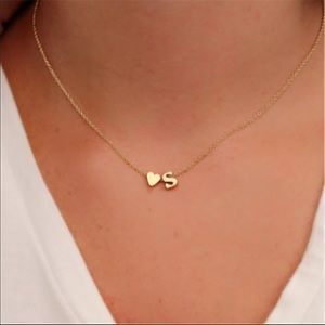 Jewelry - Gold tone initial and heart necklace